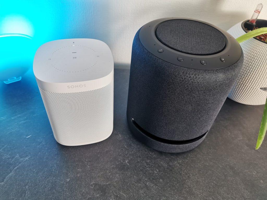 Echo Studio vs Sonos One Vorderseite
