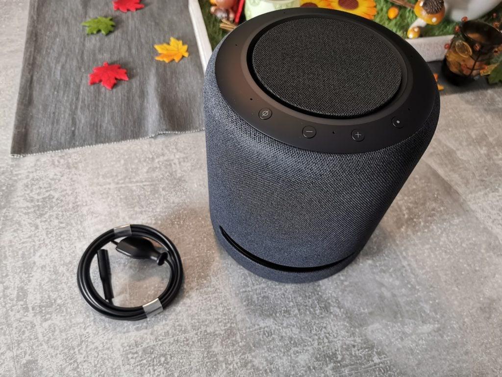 Echo Studio und Stromkabel