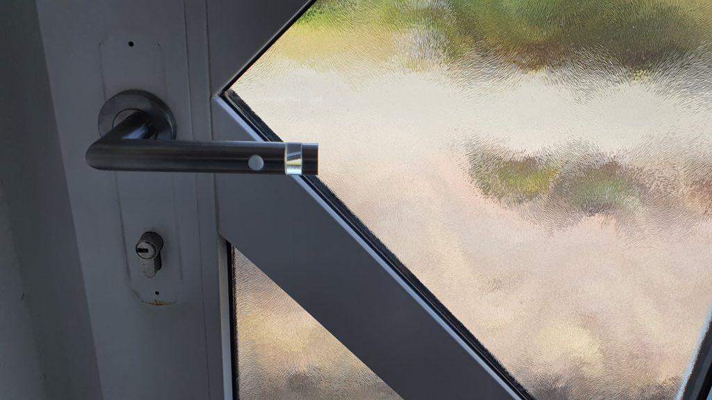 Ekey Uno smartes Türschloss mit Fingerabdruck im Test Tür