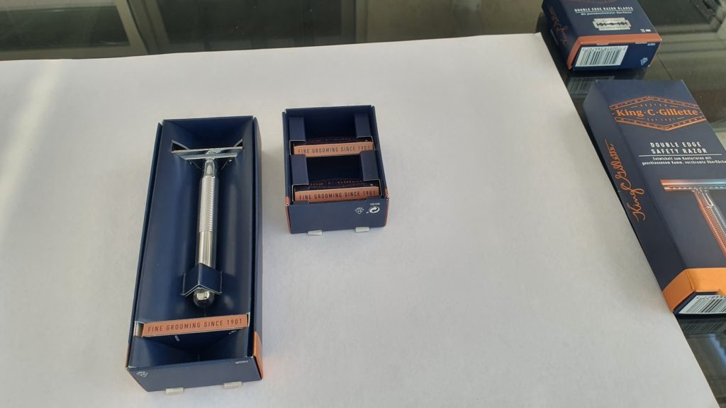 Gillette King C. Rasierhobel Testbericht - Klinge und Hobel in der Verpackung