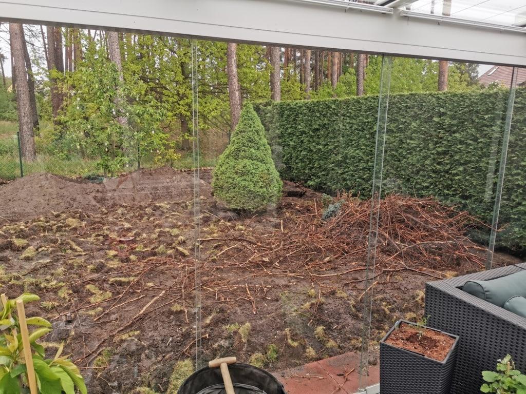 Rasen umgraben - Wurzeln entfernen - Rasen neuanlegen